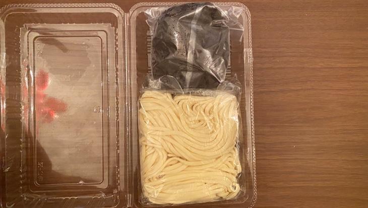 百龍 盛岡じゃじゃ麺 麺とソース