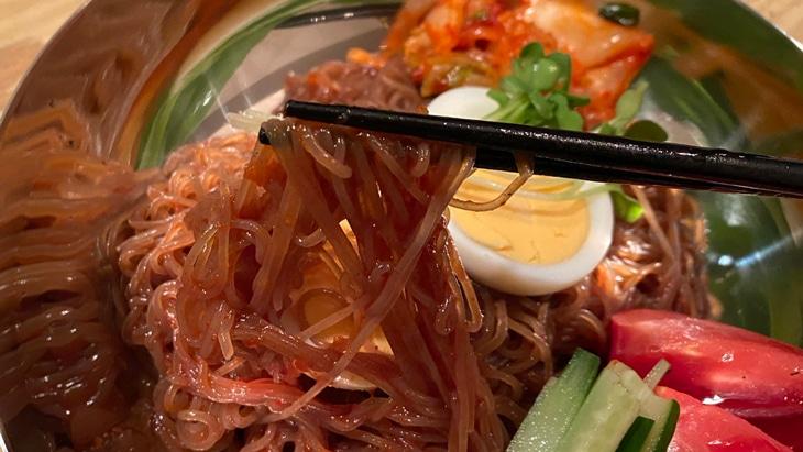 宋家のビビム冷麺 麺