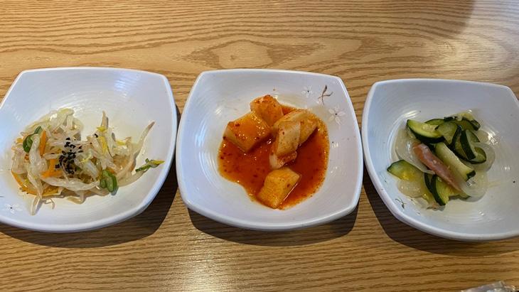 新大久保 コサム冷麺専門店 水冷麺 3種のおかず