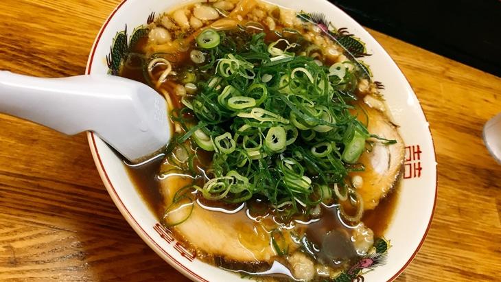 背脂たっぷり広島の尾道ラーメンの特徴とは【おすすめ人気店、通販】